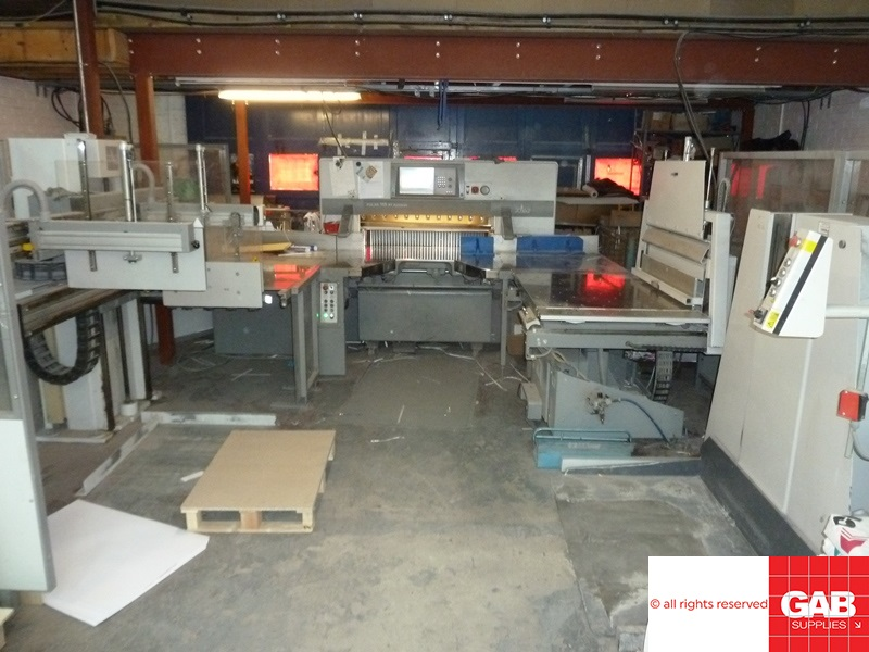 polar 115 xt-at guillotine with flow line