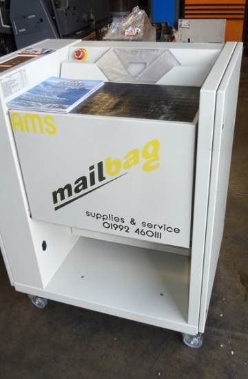 Others  Used other machines Minipack Torre Mailbag - mailbag bagging machine