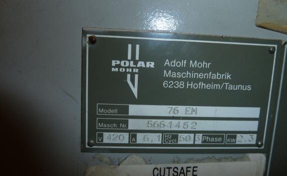 POLAR 76 EM GUILLOTINE