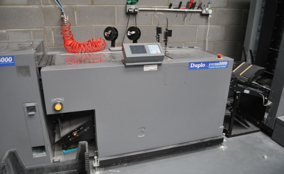 DUPLO SYSTEM 5000 BOOKLET MAKER