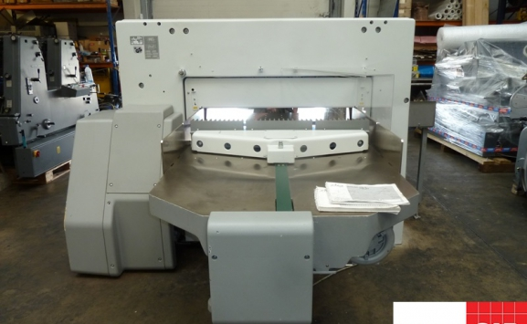 used polar 115 xt guillotine - with touch screen controls