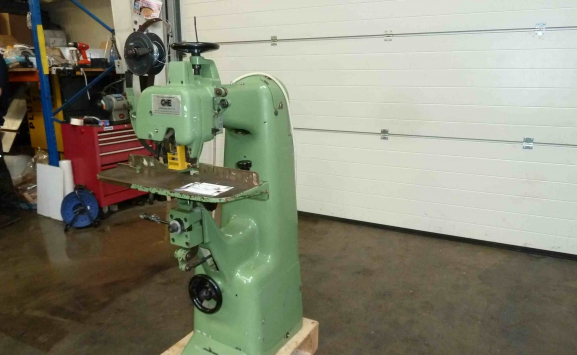 HEAVY DUTY BREHMER WIRE STITCHER
