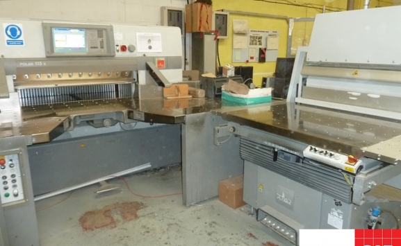 polar 115 x guillotine with complete flow line