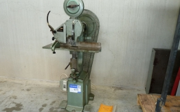 BREHMER WIRE STITCHING MACHINE